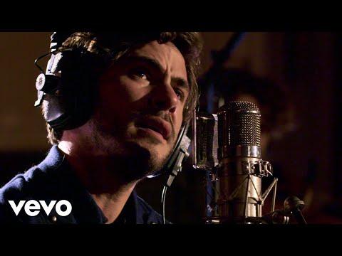 Смотреть клип Jack Savoretti - In The Bleak Midwinter
