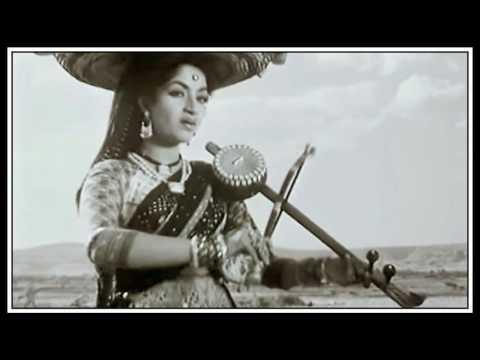 AYE MALIK TERE BANDE HAM … SINGER, LATA MANGESHKAR … FILM, DO AANKHEN BARAH HATH 1957