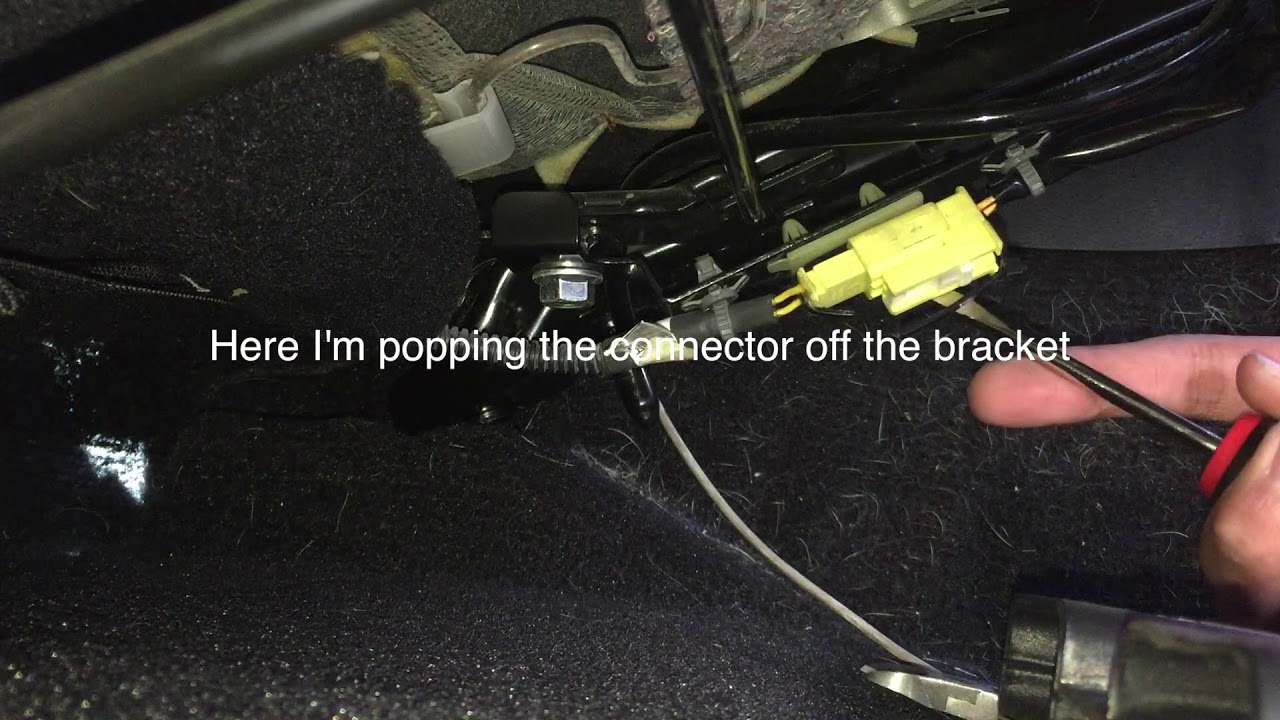 infiniti g35 coupe 03 07 seat airbag light repair faulty connector [ 1280 x 720 Pixel ]