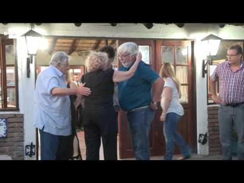 Carmena y Mujica cenan asado en Uruguay