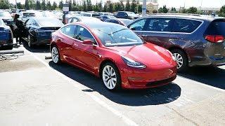 Смотрим самую недорогую Tesla Model 3
