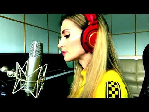 Female producer ANNA MIA creates a song in FL Studio 20