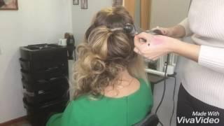 видео Причёска с локонами на бок