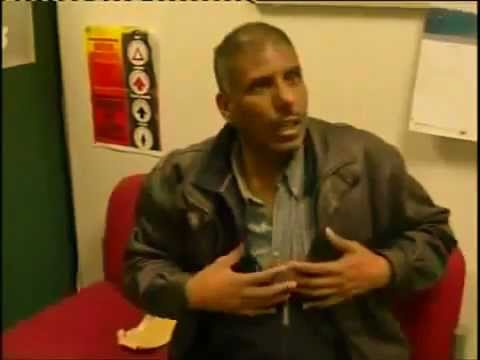 Eritrean man with £15,000 caught at the London Airport.flv
