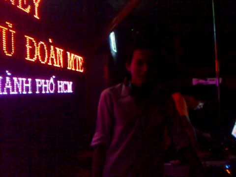Rocky Bar Nha Trang - Peter 7