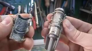 Как разобрать дверной замок на SKODA OCTAVIA 2002