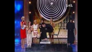 """Шоу """"Магия"""", Черный иллюзионист и участники, эфир 09.07.12"""