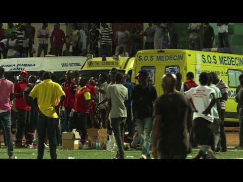 Ocho muertos en estampida en un estadio de Senegal