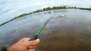Рыбалка на спиннинг осенью 2018. Первый в жизни вылет щуки на поппер.