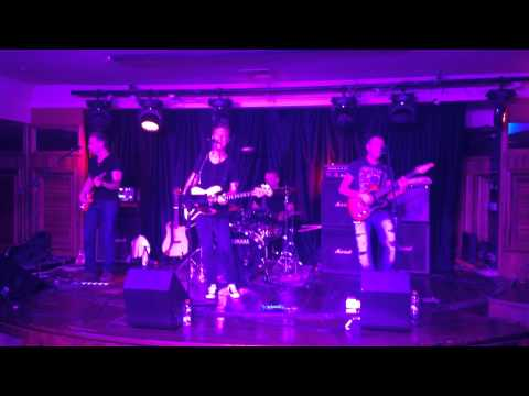 Dee Dowling Band at 3 Monkeys Pub, Eilat, Israel July 2014 (part 2)