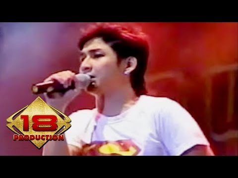 Ungu - Bayang Semu (Live Konser Solo 18 September 2006)