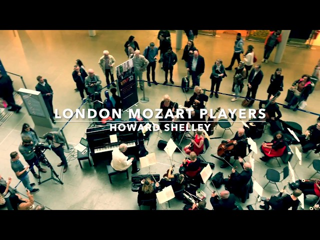 The London Mozart Players and Howard Shelley perform at St. Pancras International