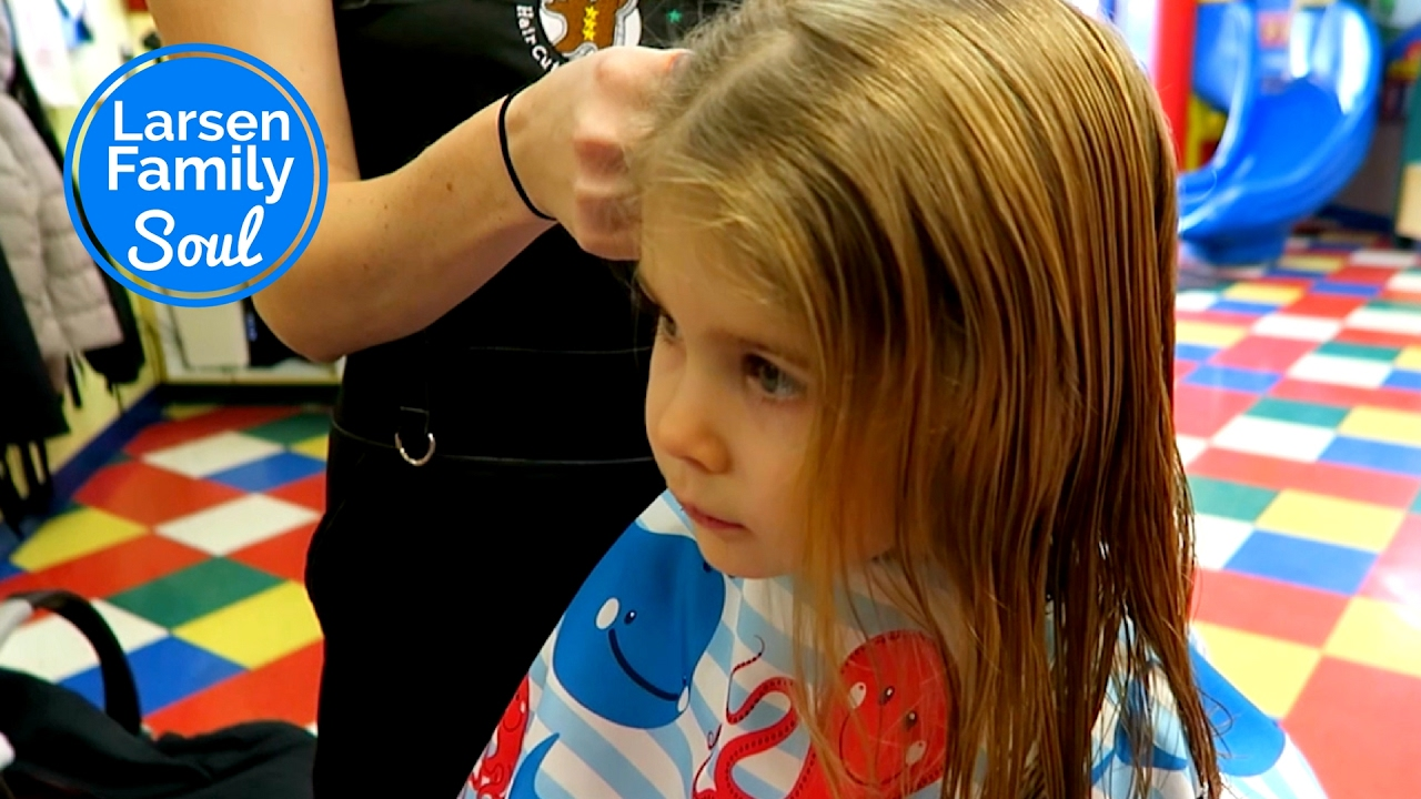 Haircuts At Cookie Cutters Youtube