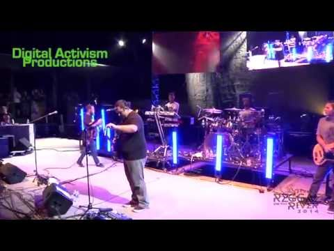 """Iration performs """"One Way Track"""" at Reggae On The River 2014"""