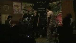 2008/9/27 キリンジ好きの新婦のために新郎から内緒のプレゼントライブの模様その3。 新郎にとっても念願のキリンジコピー。 拙い演奏ではありますがせっかくなので ...