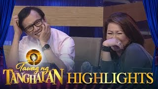 Tawag ng Tanghalan: Rey Valera and Dulce hold hands while a TNT contender is performing