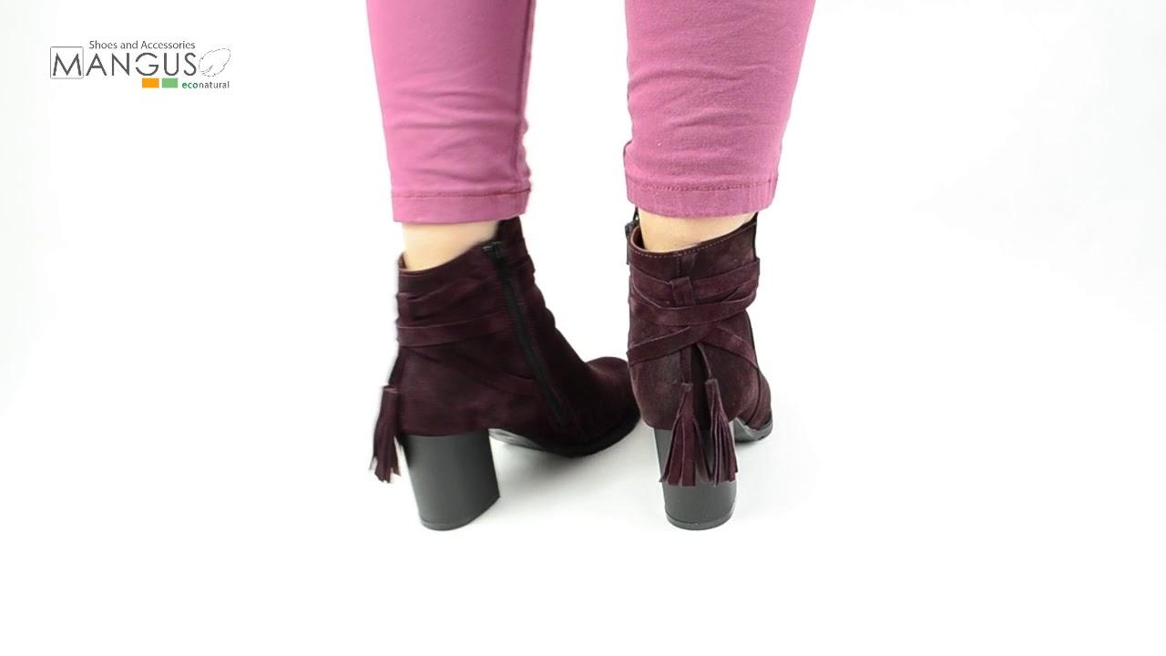 Магазин рад предложить стильные женские резиновые сапоги, резиновые сапоги на каблуке, резиновые сапоги для девочек отечественного. Обувь полностью соответствует современному экологическому тренду: резиновые сапоги сделаны из синтетической резины, а не из кожи и меха животных.