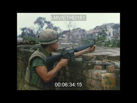 MARINES PATROL HUE - VIETNAM WAR