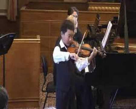 Violin, 9 year old boy play Kreisler Liebesfreud
