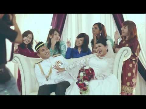 Huda & Zhafri's Malay Wedding Reception At Singapore