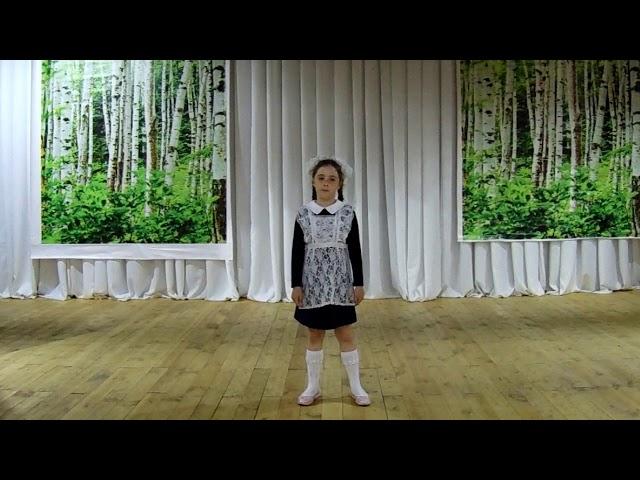Изображение предпросмотра прочтения – ЮлияСергеева читает произведение «Жди меня иявернусь…» К.М.Симонова