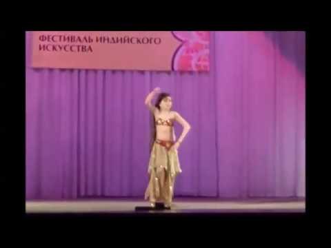 Девочка здорово танцует индийский танец Money Money #индийскийтанецmoney - Познавательные и прикольные видеоролики
