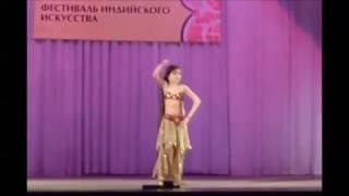 Девочка здорово танцует индийский танец Money Money #индийскийтанецmoney