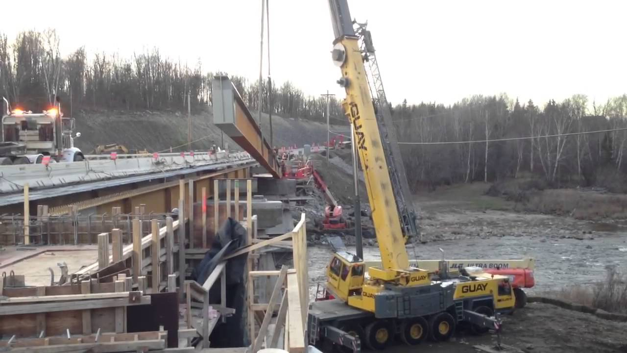 Grove Gmk5100 Crane Lifting 110 Bridge Beam Youtube