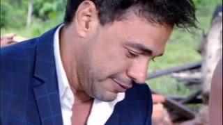 Zezé chora ao lembrar do irmão que morreu e fala sobre a importância da família