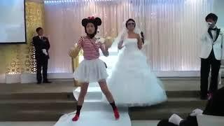 Clip Hài- Cô dâu đeo kính râm nhảy Kpop hit gây sốt.