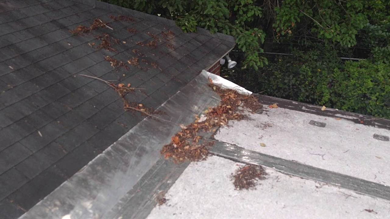 Troubleshooting Leaks On A Sunroom Aluminum Flat Roof
