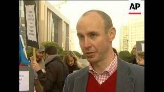 Demonstrators urge Czech government to reject Lisbon Treaty