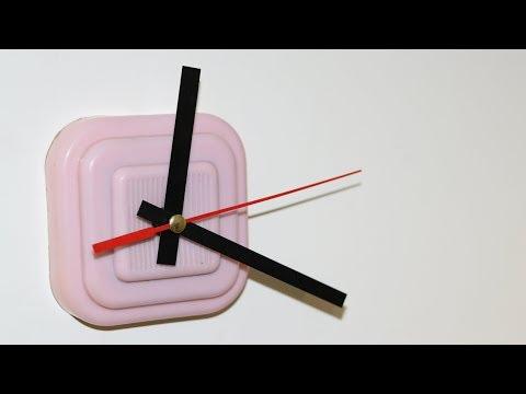 DIY Modern Live Edge Wall Clock
