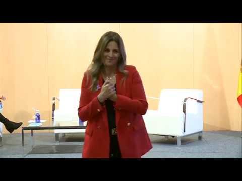 """Lliurament del guardó Olympe de Gouges i conferència """"Womanthon: Lidera sense permís"""""""