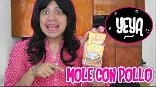 Yeya - Mole con Pollo