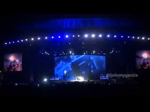 "Madonna ""Turn Up The Radio"" (live @ Mexico City) MDNA Tour november, 24th, 2012"