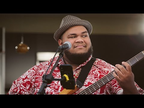 Josh Tatofi - Kaneohe (HI Sessions Live Music Video)