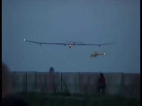 Landing of the Solar Impulse at Brussels (Team 4)
