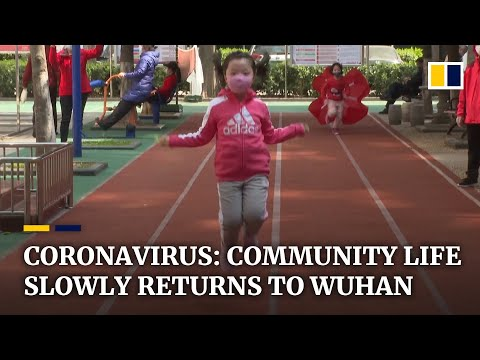China's community life cautiously returns to normal as new coronavirus cases drop