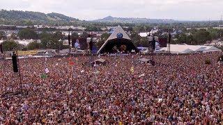 david-attenborough-presents-seven-worlds-one-planet-live-from-glastonbury-bbc-earth