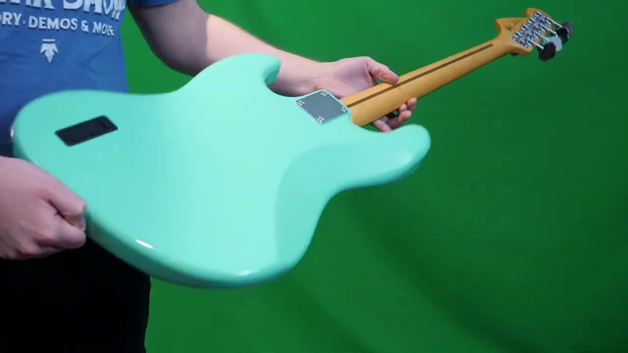 Check Out Jino's Crazy New Signature! | 2020 Fender Jino Signature Jazz Bass Seafoam Green Review