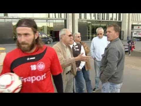 Ioannis Amanatidis legt sich mit Fans von Frankfurt an