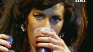 Amy Winehouse Biografia-(Documental en español)parte2de-2