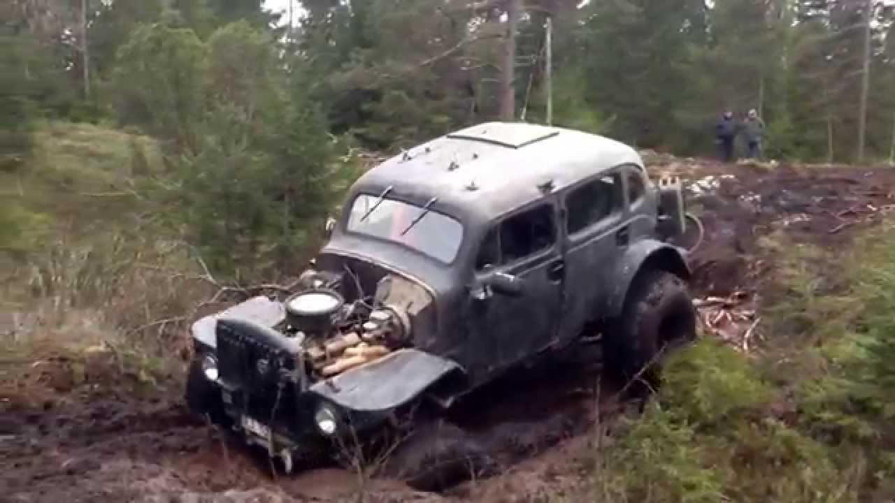 Volvo TP21 Sugga V8 Climbing and Mudding @Glimmingen nov 2014 - YouTube