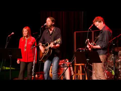 Hayes Carll - Drunken Poet's Dream (eTown webisode #955)