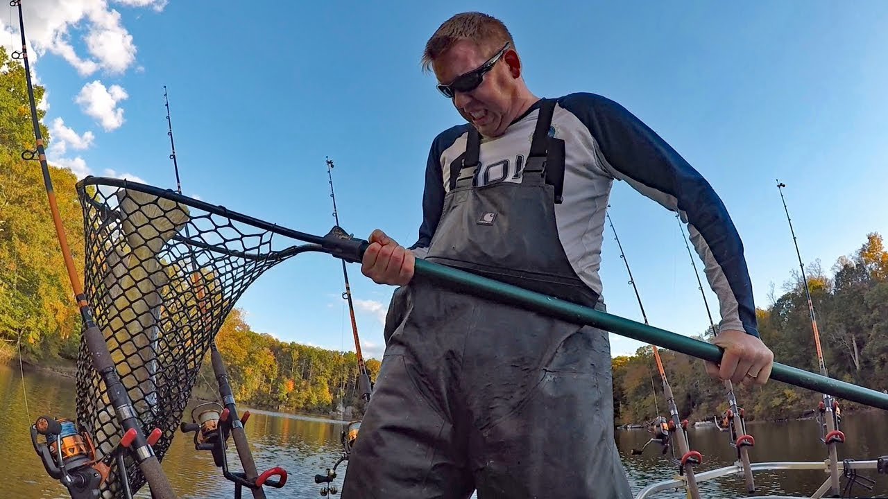 67d18c8728f 300 lb catfishing challenge Part 3 - how to catch catfish in the winter.