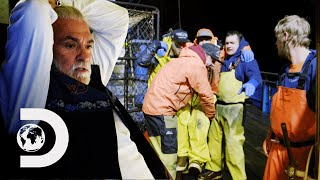 Torn Achilles Tendon Forces Summer Bay To End Their Season Early | Deadliest Catch