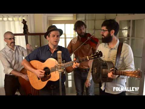 """Folk Alley Sessions: The Steel Wheels - """"The End of the World Again"""""""