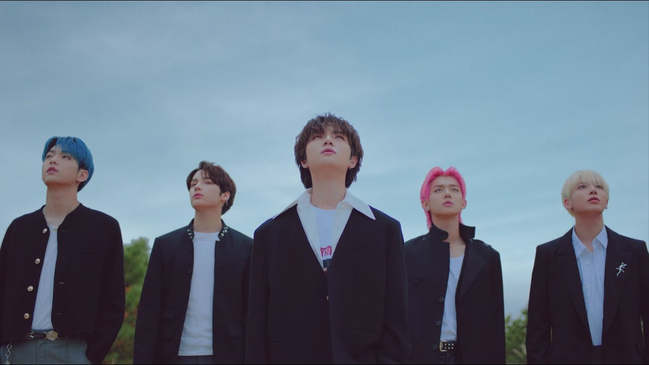 TXT (투모로우바이투게더) '5時53分の空で見つけた君と僕 [Japanese Ver.]' Official MV