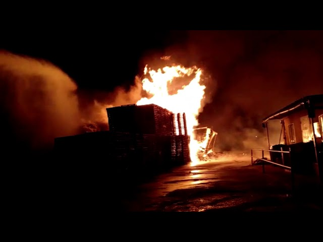 Se produce un incendio en una Nave Industrial de Telde.